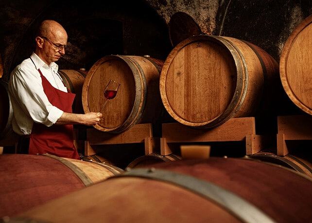 Qui produit le vin ?