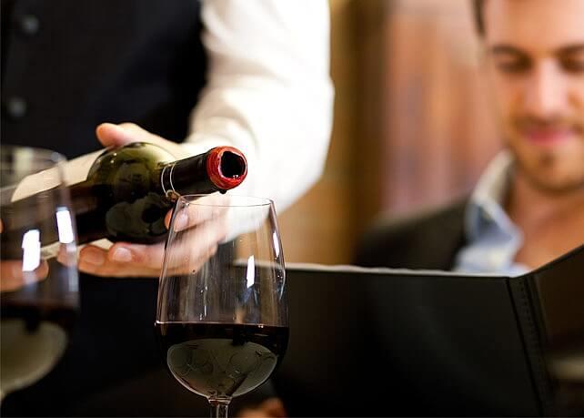 Les accords mets et vins au restaurant