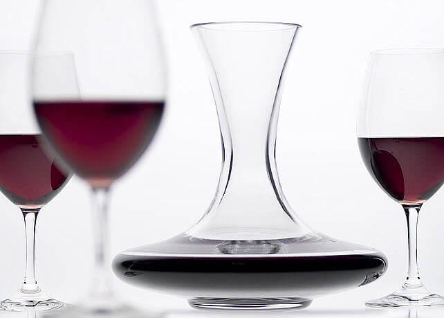 Carafer ou décanter un vin ?