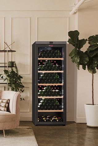 Cave A Vin La Sommeliere Societe Francaise Specialiste Cave A Vin Et Accessoires
